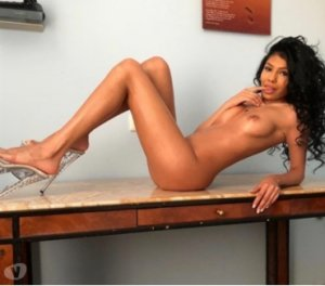 Salimah naked incall escorts Fountain Hills, AZ