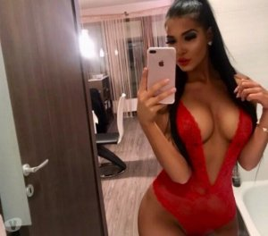 Rahma greek live escort in Redcar, UK